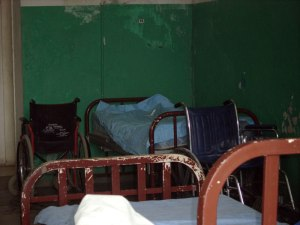 rusty-beds-in-haitian-hospital